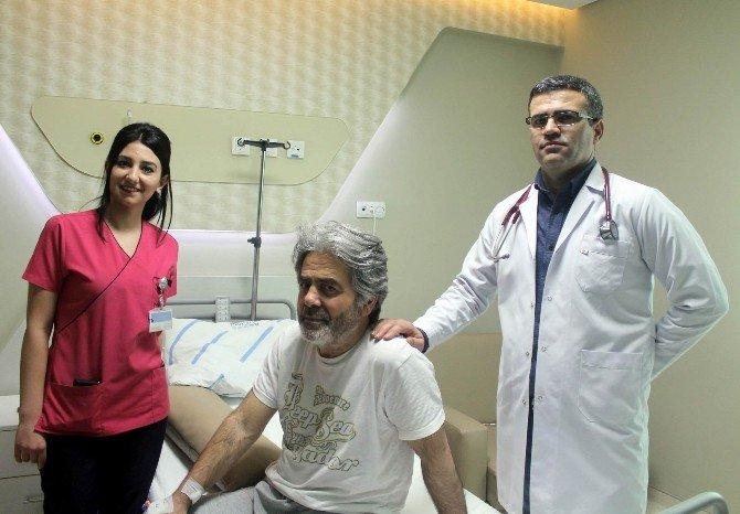 Havuzda Kalp Krizi Geçirdi, Hastanede Yaşama Döndü