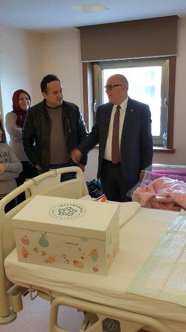4000. Bebek Paketini Başkan Eşkinat Verdi
