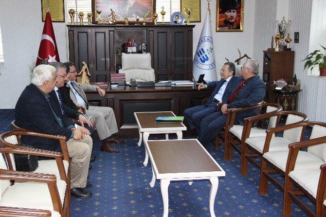 Başkan Uğur, Edremit Belediyesini Ziyaret Etti