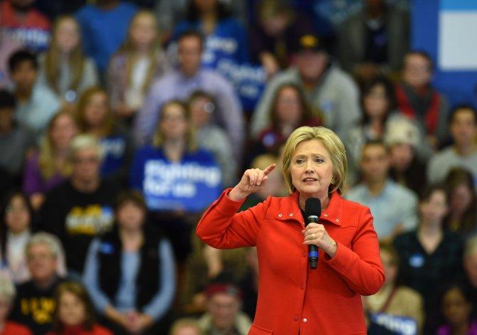 Süper Salı'nın galipleri Clinton ve Trump