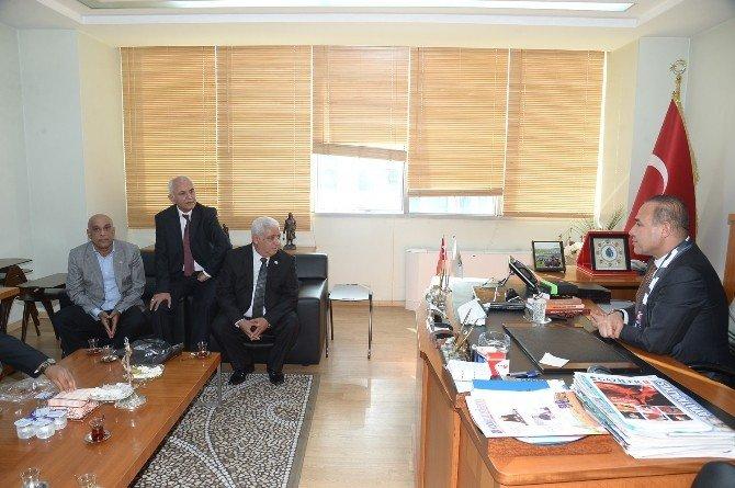 Beşiktaşlı İş Adamları Başkan Hüseyin Sözlü'yü Ziyaret Etti