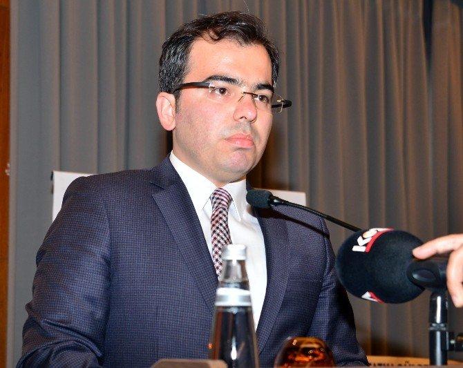 Adana'da Vergi Rekortmenlerine Plaket Verildi