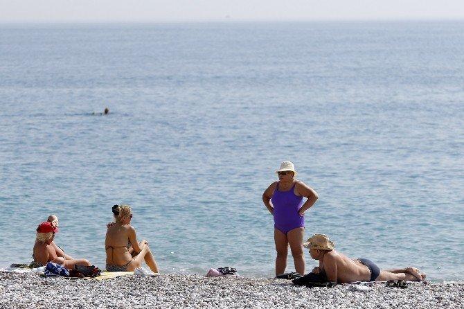 Antalya'da Mart Ayında Deniz Keyfi