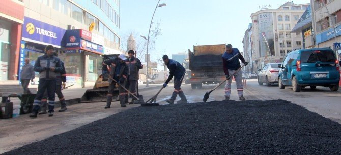 Büyükşehir Şubat Ayında Sıcak Asfalt Döktü