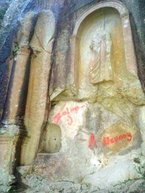 2 Bin Yıllık Anıta Tarihi Ayıp