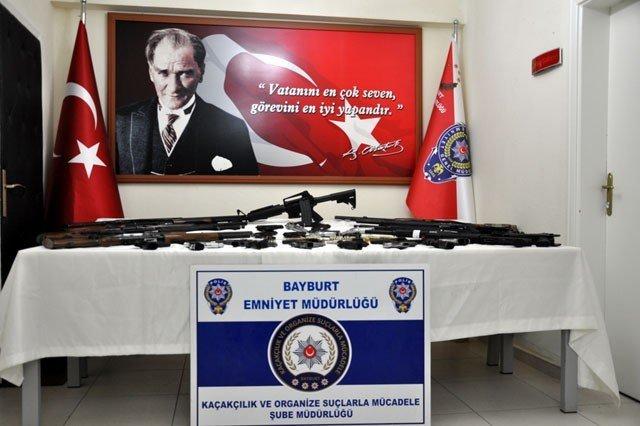 Bayburt Polisinden Kaçak Silah Operasyonu