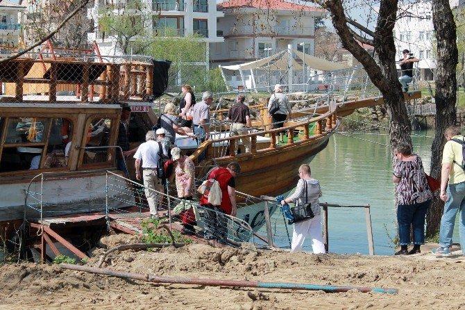 Antalya'da İskele Yıkımında Gerginlik
