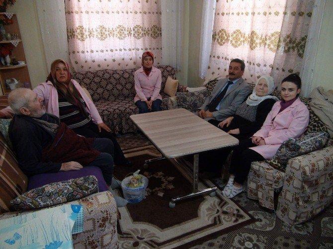 Çayıralan Belediyesi Hasta Ve Yaşlıları Yalnız Bırakmıyor