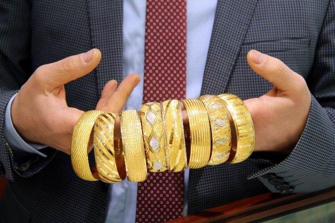 Tüm Zamanların Rekorunu Kıran Altın Fiyatları Geriledi