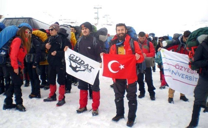 Güdat Erciyes'e Tırmandı