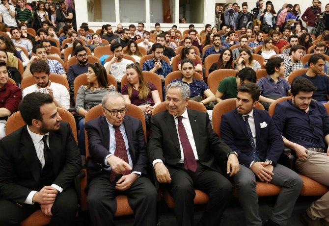Arınç'tan Anayasa Mahkemesi'ne destek açıklaması