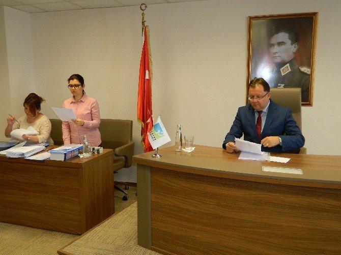 Fethiye Belediye Meclisinde DP Ve AK Parti İşbirliği