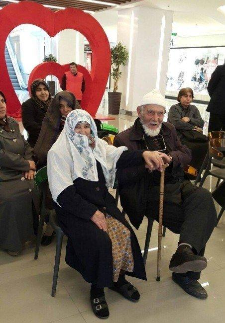 Gönüllü Gençler Yaşlılar İle Buluştu
