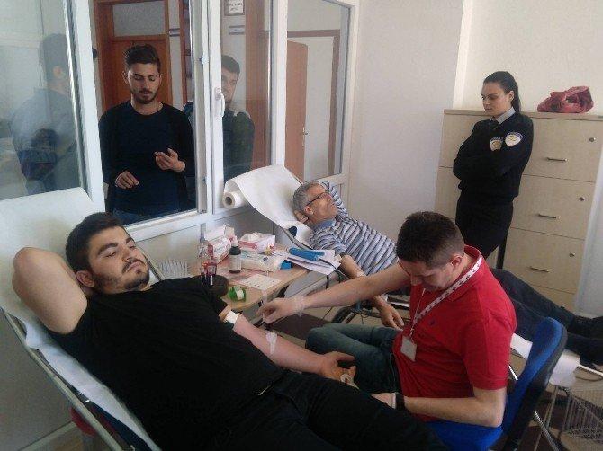Öğrencilerinden '1 Kan 3 Can' Kampanyasına Destek