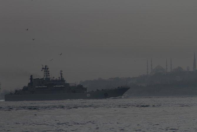 Rus savaş gemisine sıkı önlem