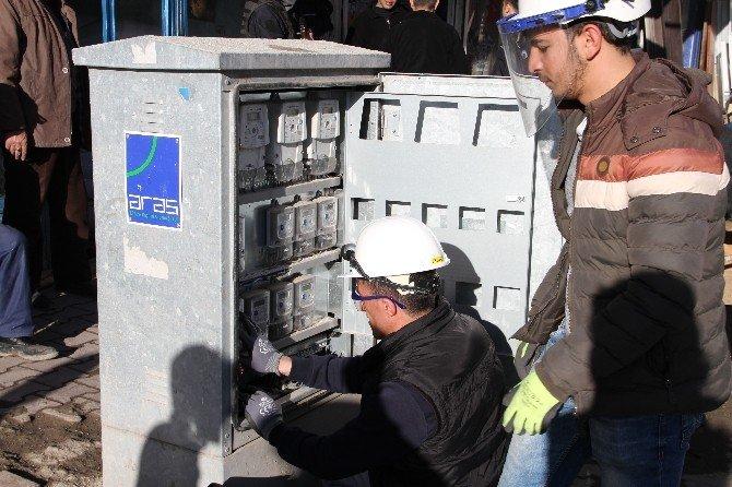 Aras Elektrik Yoğunlaştırdığı Kaçak Elektrik Tarama Faaliyetlerine Doğubayazıt'ta Devam Ediyor