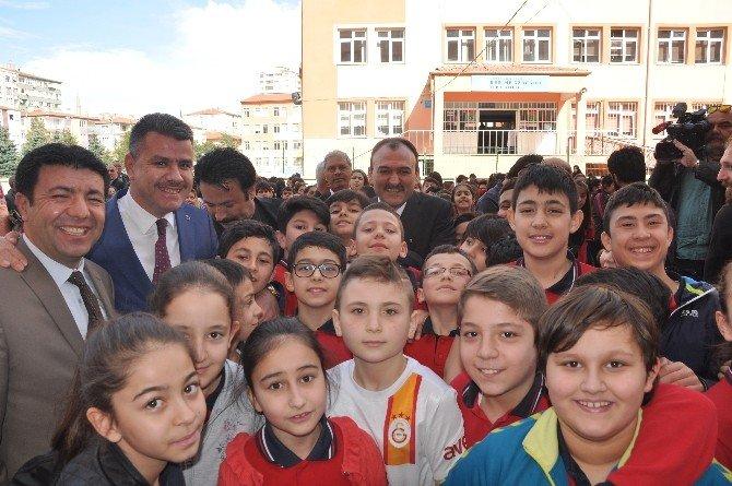 Öğrenciler Kendi Harçlıkları İle Bayırbucak Türkmenlerine Yardım Gönderdi