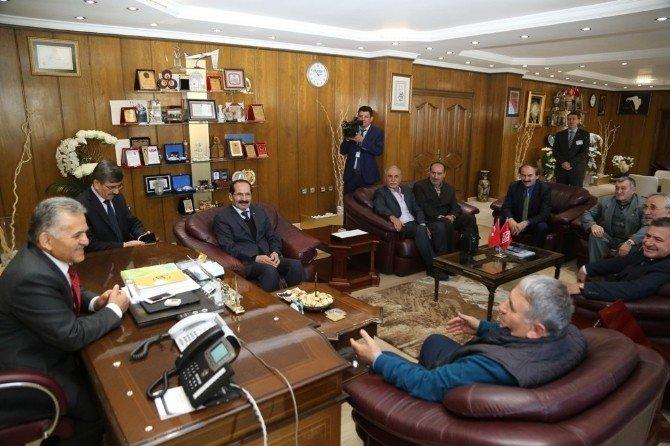 Turan-sarımsaklı Derneği Yönetim Kurulu Melikgazi Belediyesi Çalışmaları İle Bilgilendirildi