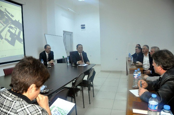 Uysal Pazaryeri Projesi'ni Esnaf Odası Başkanlarına Anlattı