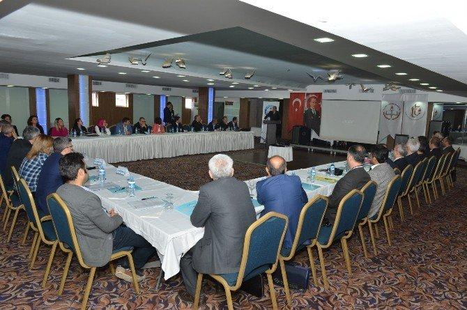 Adana'da Ders Kitapları Değerlendirme Çalıştayı