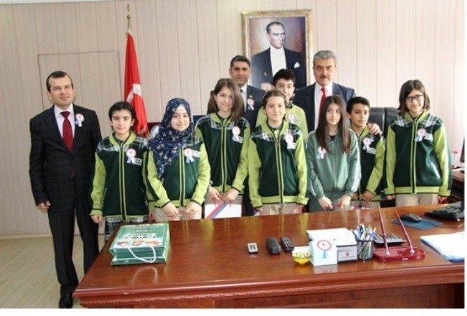 Öğrencilerden Vergi Dairesi Başkanı Poyraz'a Ziyaret