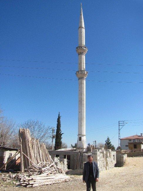 Parasızlık Yüzünden Yapımı Durdurulan Cami İnşaatı Yardım Bekliyor