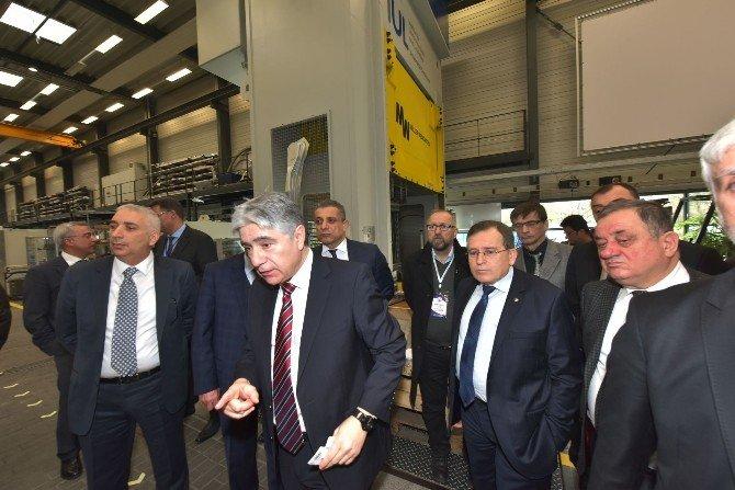 Türk Profesör Almanya'nın Üretim Ve Yenilikteki Başarısının Sırlarını Anlattı