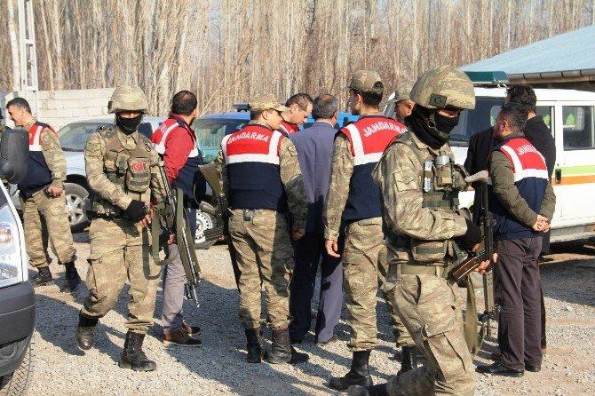 Hoşhaber Belediyesine Terör Operasyonu: 13 Gözaltı