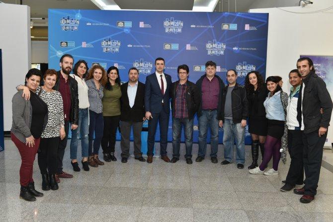Beşiktaş'ta şizofreni sergisi açıldı