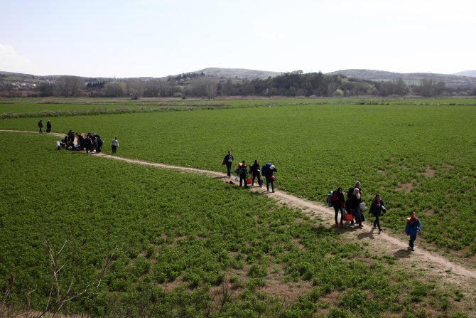 Cihan, Makedonya sınırında 10 bin mültecinin dramını görüntüledi