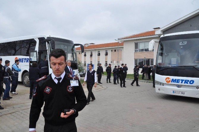 Yunanistan, Göçmenleri Türkiye'ye İade Etmeye Devam Ediyor