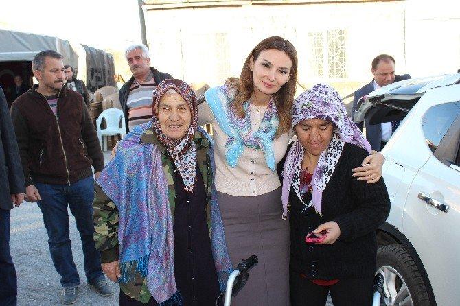 Azerbaycan Milletvekili Ganire Paşayeva Şehit Burhan Kaplan'ın Ailesini Ziyaret Etti