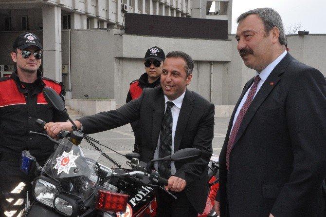 Eren Enerji'den Emniyete Motosiklet Hibesi Desteği
