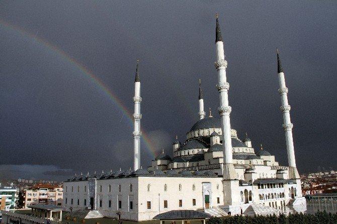 Başkent'te Yağmurdan Sonra Gökkuşağı