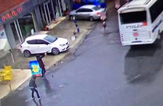 Çevik Kuvvet Şube Müdürlüğü'ne Saldırı Anı Güvenlik Kamerasında