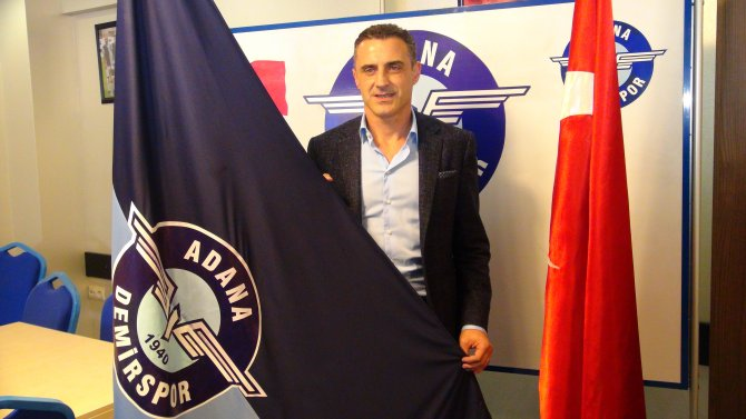 Tayfur Havutçu Adana Demirspor'la 1,5 yıllık anlaşma imzaladı