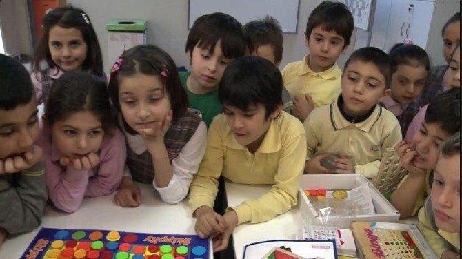 Beyoğlu'nda Çocuklar 'Akıl Oyunları' İle Öğreniyor