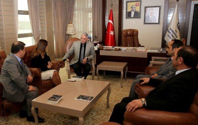 Azerbaycanlı Vekil Paşayeva Rektör Gönen'i Ziyaret Etti