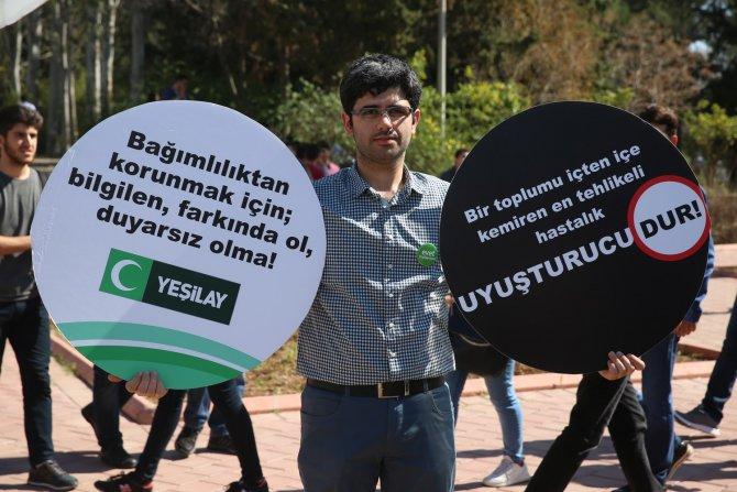 Öğrenciler, üniversitede Yeşilay çadırı kurdu