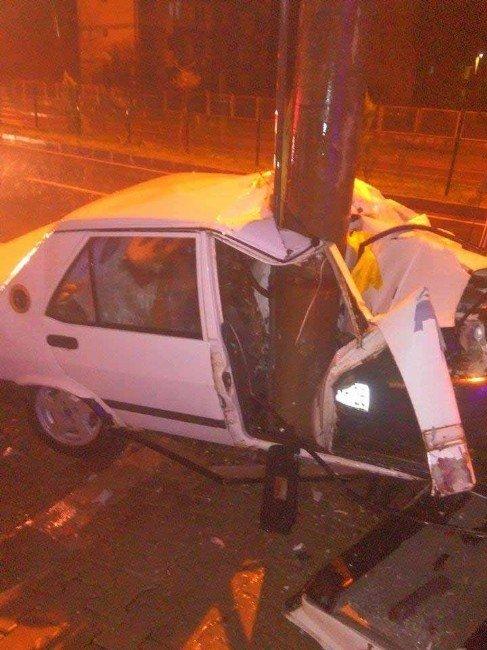 Dalaman'da Otomobil Elektrik Direğine Çarptı; 1 Ağır Yaralı
