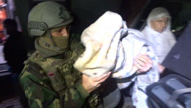 Sur'dan 1'i bebek 11 kişi tahliye edildi