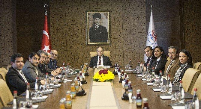 Bakan Çağatay Kılıç, Yeşilay Yönetimini Kabul Etti