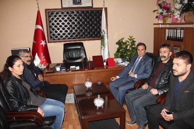 HDP'li Vekil Hoşhaber Belde Belediyesini Ziyaret Etti