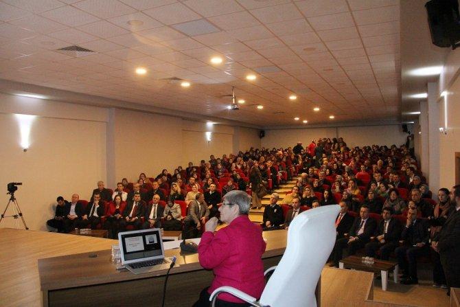Canan Karatay, Kaynarca'da seminer verdi