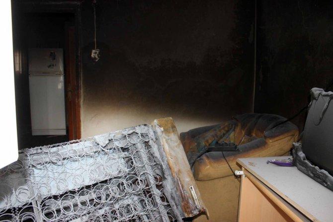 İki küçük kardeş yangının dumanından zehirlenerek öldü