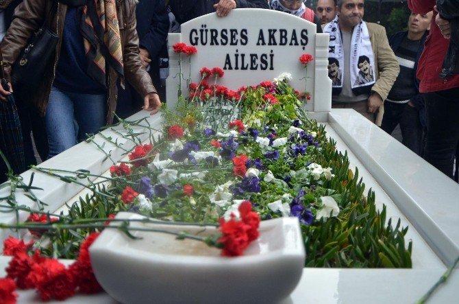 Müslüm Gürses Ölümünün 3. Yılında Mezarı Başında Anıldı