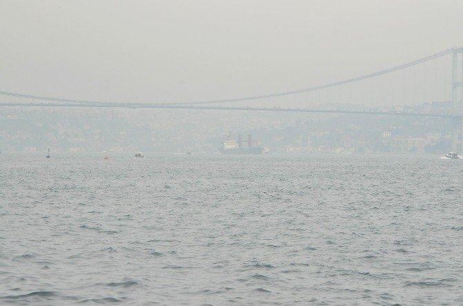 İstanbul Boğazı'ndan Rus Donanması'na Ait Gemi Geçti