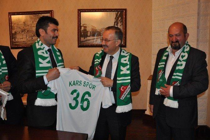Şampiyon Kickboksculardan Vali Özdemir'e Ziyaret