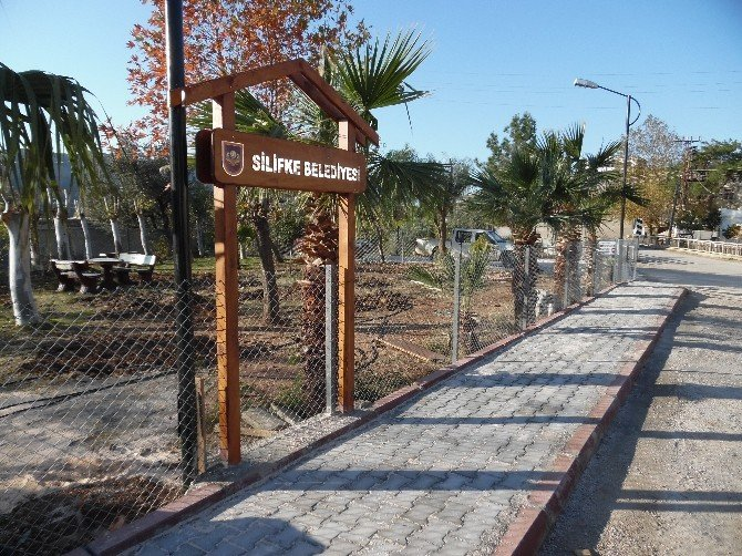 Silifke Belediyesi'nden Park Ve Yeşil Alan Çalışması