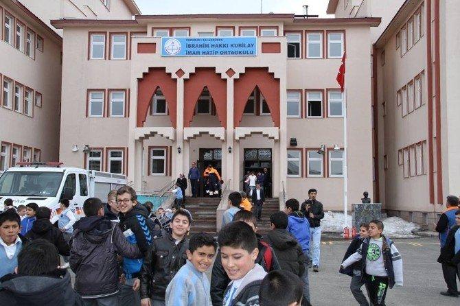 Okuldaki Deprem Tatbikatı Gerçeğini Aratmadı